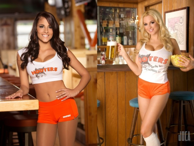 Jordan Carver big tits hooters waitress sexy beer
